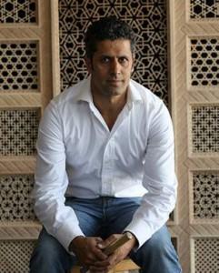 ناصر منصوری نجاری و خراطی را در تهران آموخته است