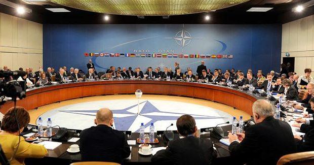جلسه فوق العاده سران کشورهای عضو ناتو