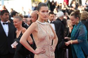 مدل بلا هدید در جشنواره سینمایی کان.