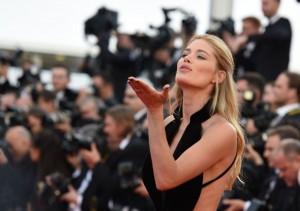 مدل داتسن کروز در مراسم افتتاحیه جشنواره سینمایی کان